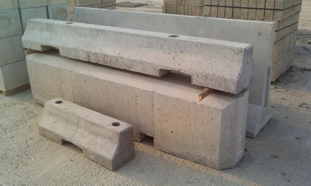 Spartitraffico in cemento usati