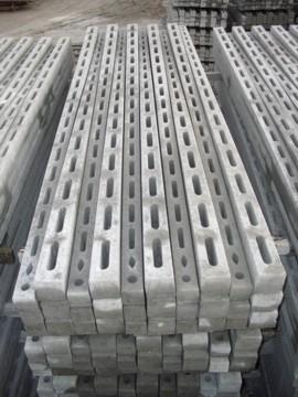 Pali recinzione cemento