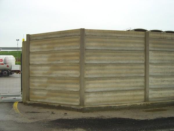 Pannelli in cemento per recinzioni for Pali cemento per recinzione